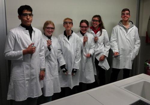 Unterstützung von Schülern und Schülerinnen für das HLS-Labor 2019