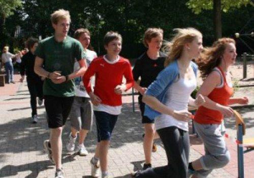 HLS-SchülerInnen laufen für eine Welt
