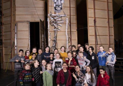 ENTER-Projekt: Klasse 6c lässt sich durchs Staatstheater führen